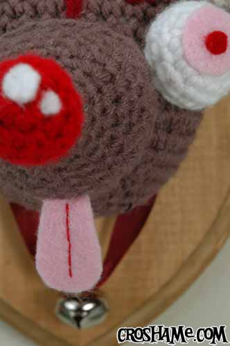 Braindeer closeup tongue