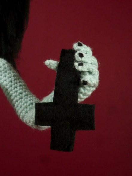 Kembra crucifix